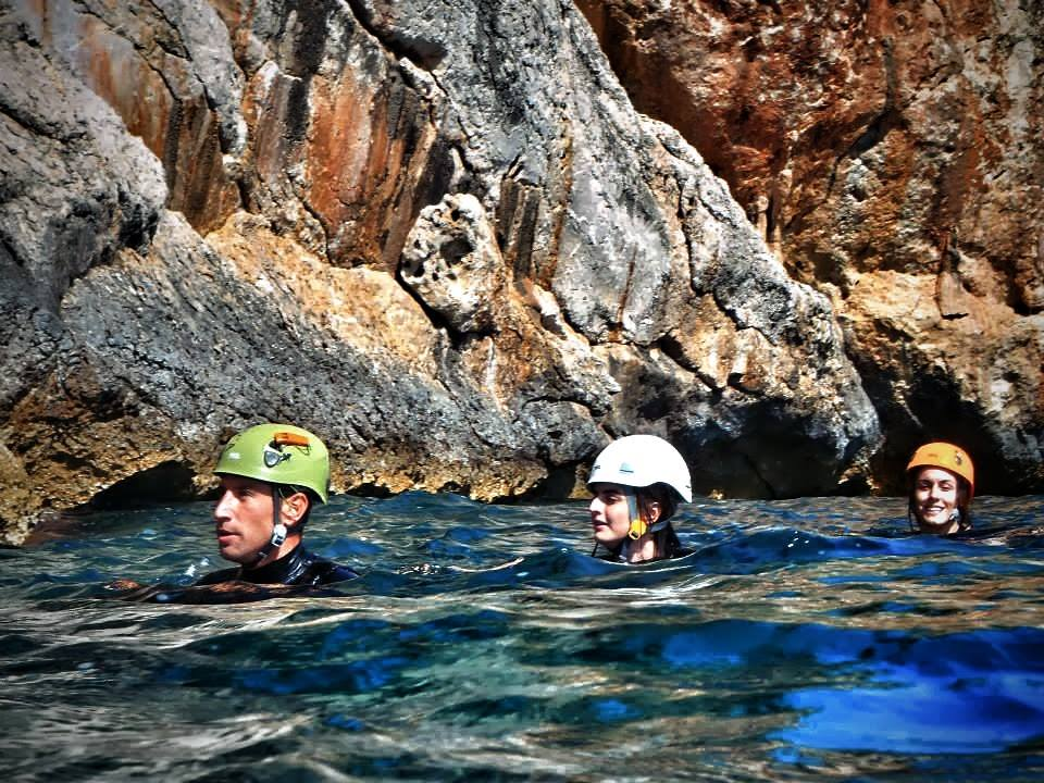 Mallorca Cliff jumping and Coasteering